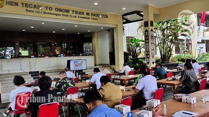Mulai Agustus, Masyarakat Kota Jayapura yang Mau Menerima BLT Wajib Tunjukkan Sertifikat Vaksin