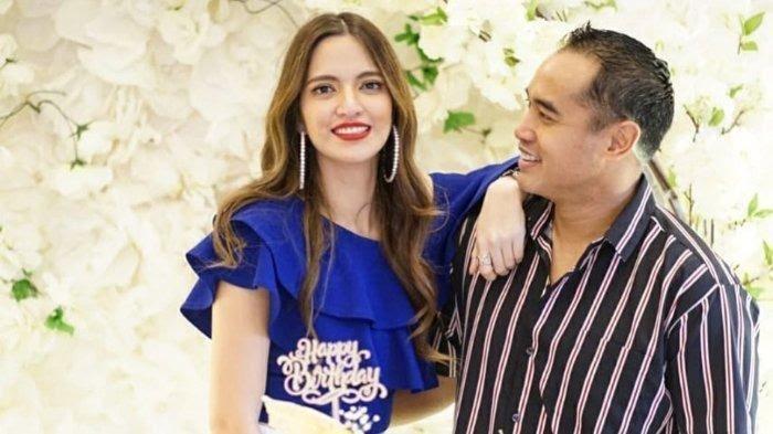 Artis Nia Ramadhani dan suaminya Ardi Bakrie.