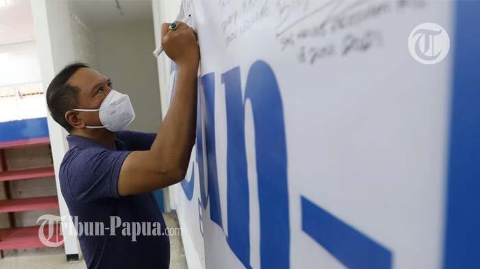 Menpora Zainudin Amali saat menyambangi Kantor Tribun-Papua.com di Jayapura, Selasa (12/10/2021).