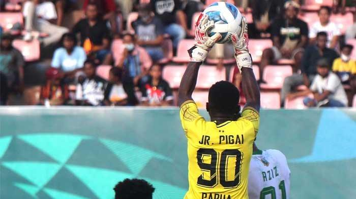 Babak Pertama, Gol Bunuh Diri Warnai Kedudukan Sementara Papua 1-1 Kalimantan Timur