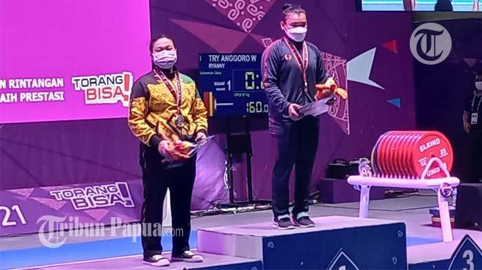 Siti Heroni Sumbang Medali Emas Untuk Jabar di Cabor Angkat Berat Kelas 63 KG Putri