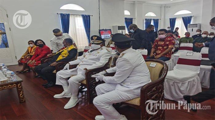 BREAKING NEWS: Dilantik, John Tabo dan Ever MudumiPimpin Kabupaten Mamberamo Raya