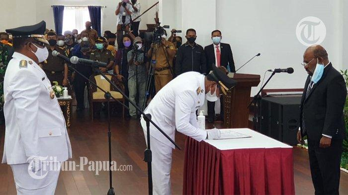 Pesan Gubernur Papua di Pelantikan Bupati Mamberamo Raya: Jangan Komunikasi Langsung ke Kementerian