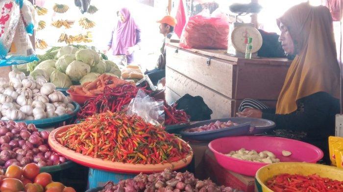 Tiap Pekan, Harga Tomat di Pasar Youtefa Jayapura Naik Turun