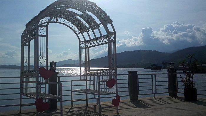 Sentani Purnama Resto Hadirkan Spot Foto Berlatar Danau Sentani