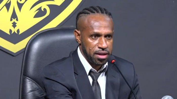 Boaz Solossa Calon Kuat Emban Kapten Tim Borneo FC