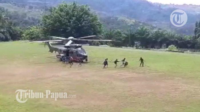 Detik-detik KKB Tembaki Helikopter yang akan Evakuasi Iptu Budi Basra di Bandara Kiwirok