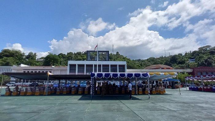 Suasana persiapan kegiatan pencenangan pembangunan gedung baru Kantor Gubenur Papua, senin (19/7/2021).