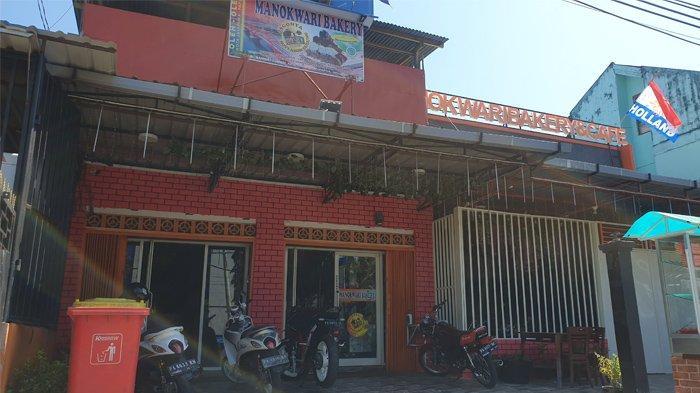 Manokwary Bakery, Roti Abon Gulung Oleh-oleh Kota Jayapura