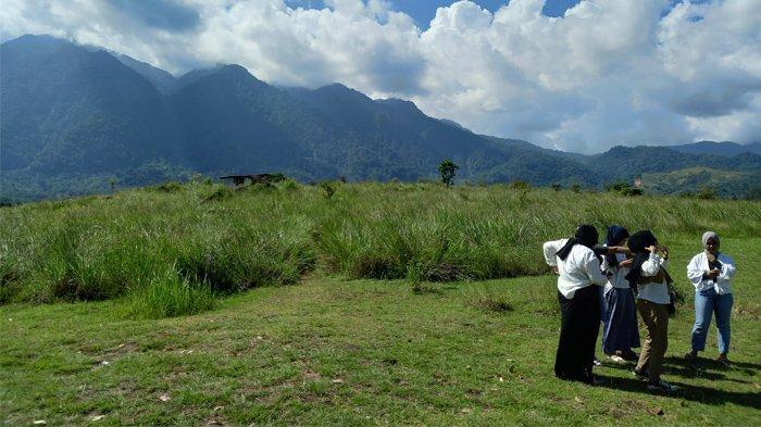 Bukit Kolang Mokko Hadirkan Spot Foto Berlatar Gunung Cycloop