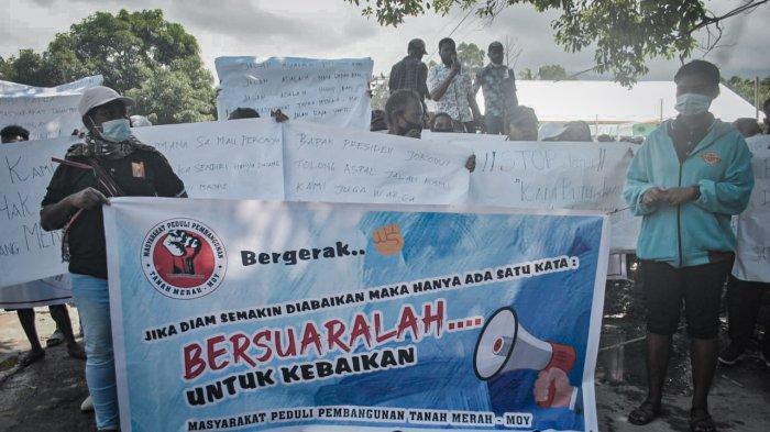 Jalan Sabron Dipalang, Warga: Pemerintah Ingkar Janji dan Tak Membangun Akses ke Depapre
