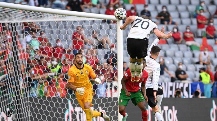 TIMNAS JERMAN - Kemenangan Jerman 4-2 atas juara bertahan Portugal (19/6/2021) lalu, tak hanya meningkatkan peluang untuk lolos ke babak 16 besar, tapi juga memicu kembali antusiasme para pendukungnya.