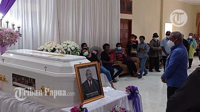 Jimmy Ijie Tokoh Sentral Pemekaran Provinsi Papua Barat, Telah Dikebumikan
