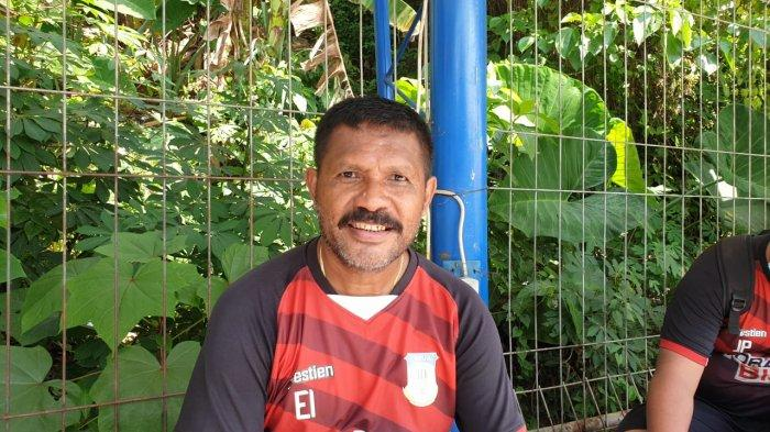 Harapan Legenda Hidup Persipura Edward Ivakdalam Melatih Tim Sepakbola PON XX Papua