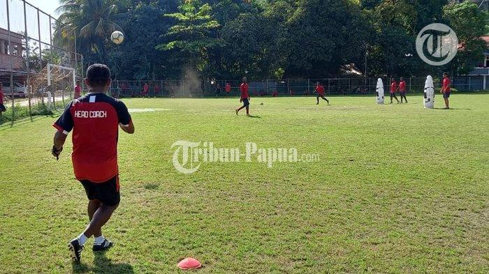 Tim Sepakbola Papua dapat Target Emas PON XX 2021