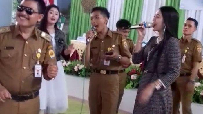 Viral Video Kades di Grobogan Joget dengan Biduan di Acara Pelantikan Tanpa Prokes: Saya Khilaf