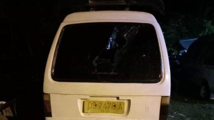 Pengaruh Miras, Sekelompok Pemuda Rusak Dua Unit Mobil Angkot di Waena Jayapura