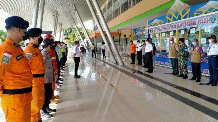 Hari Pertama Larangan Mudik, Maskapai Garuda dan Lion Group di Bandara Rendani Langsung Off