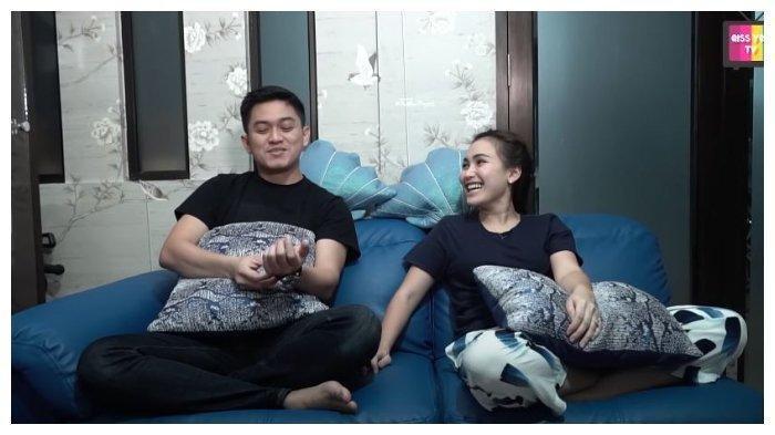Ungkap Reaksinya saat Dikenalkan kepada Ayu Ting Ting, Adit Jayusman: Enggak Kebanting Nanti?