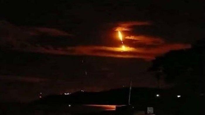 Viral Video Penampakan Diduga Meteor Jatuh di Sulteng, Ini Kata BMKG