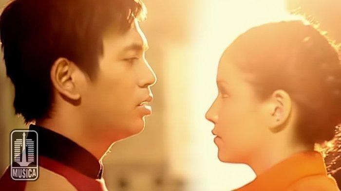 Kunci (Chord) dan Lirik Lagu 'Pergilah Kasih' - D'MASIV, 'Jangan Hiraukan Diriku'