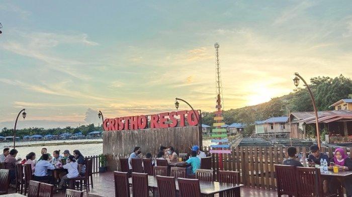 Pesona Sunset di Danau Sentani Jayapura dari Cristho Resto Cafe