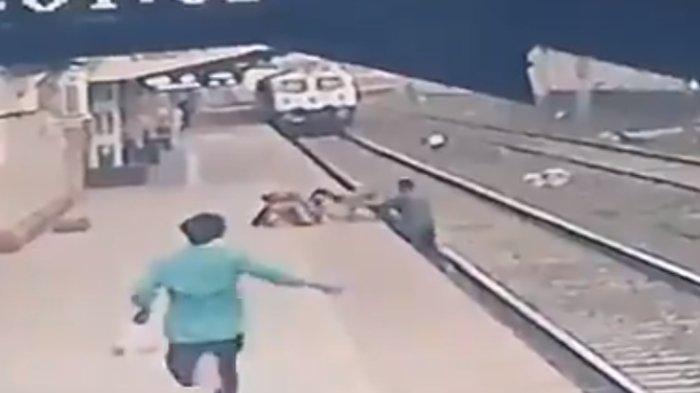 Viral Video Aksi Heroik Petugas Kereta Selamatkan Bocah yang Jatuh di Rel, Nyaris Terlindas