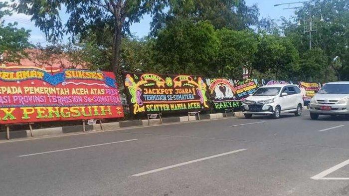 Aceh Jadi Provinsi Termiskin di Sumatera, Kantor Gubernur Banjir Karangan Bunga