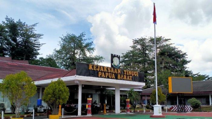 Diduga Ada Praktik Korupsi, Sejumlah Pimpinan MRPB Dilaporkan ke Kejaksaan Tinggi Papua Barat