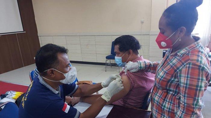 Kabupaten Pegaf Duduki Rangking Terendah Cakupan Vaksinasi di Papua Barat