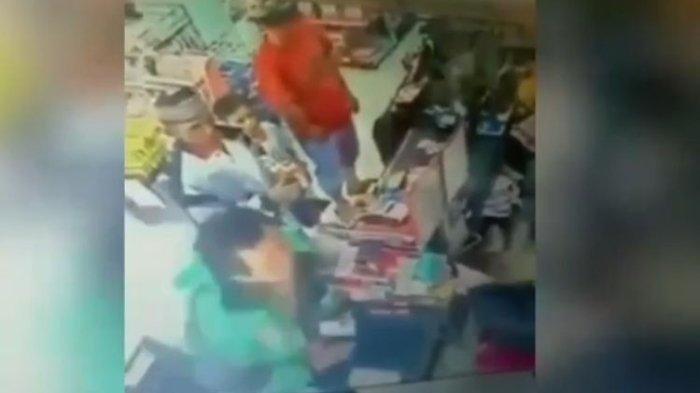 Viral Video CCTV Driver Ojol di Palembang Tampar Kasir Perempuan Gara-gara Go-Pay, Berakhir Damai