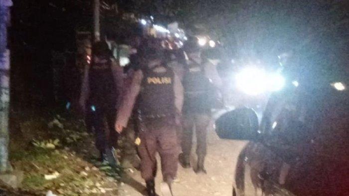 Bentrok Warga di Ambon, Massa Bakar Sepeda Motor, Satu Polisi Terluka saat Coba Melerai
