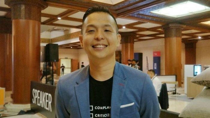 Arie Kriting Tuai Hujatan karena Kritik Ikon PON Papua, Ernest Prakasa: Dia Bukan Nyerang Nagita