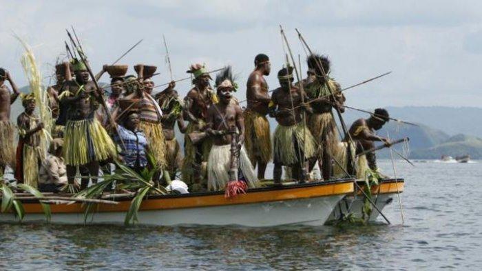 Festival Danau Sentani 2016 yang digelar di Kabupaten Jayapura, Papua, 19-23 Juni 2016.
