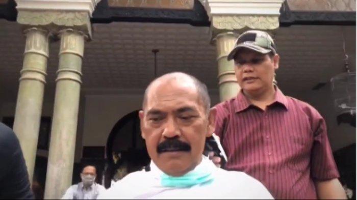 Lakukan Cukur Gundul Bersama Jajarannya, Wali Kota Solo Rudy: Tolak Bala Usir Virus Corona