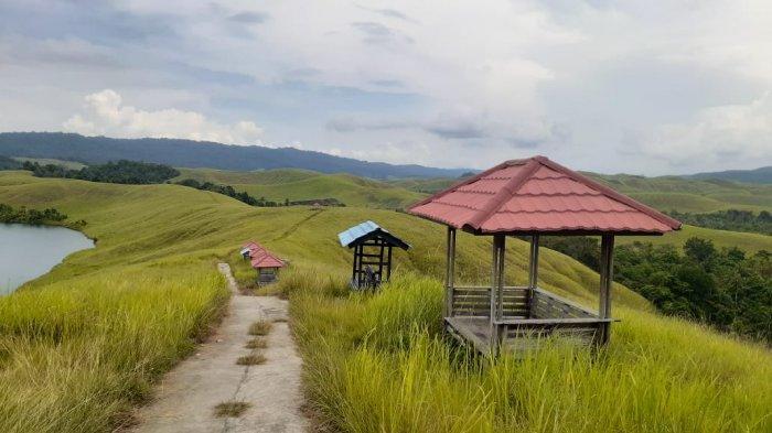 Beberapa Gasebo yang dibangun di Danau Love, Sentani, Kabupaten Jayapura, Papua