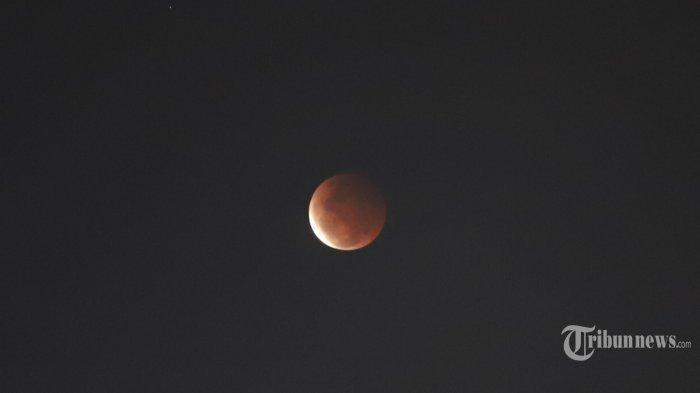 Terhalang Awan, Warga Jayapura Tak Bisa Saksikan Gerhana Bulan Total
