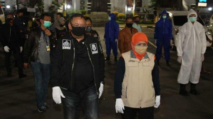 Sempat Kisruh Mobil PCR hinggga Risma Meradang, Khofifah: Justru yang Kasihan yang di Luar Surabaya