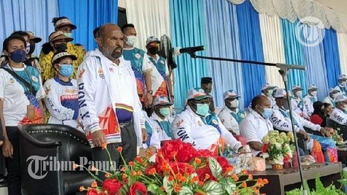 Lukas Enembe Lepas Kontingen Provinsi Papua Raih Juara pada PON XX