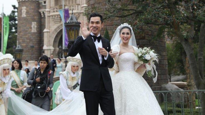 Harvey Moeis dan Sandra Dewi saat melangsungkan pernikahan di Disneyland