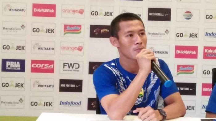 Akan Lawan Persipura Jayapura Tanpa Penonton, Bek Persib Bandung Henhen Herdiana: Bobotoh Mendoakan