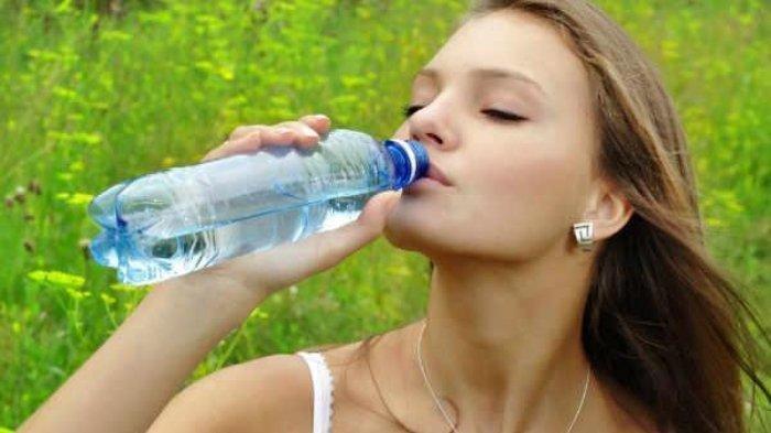 Langkah yang Benar Diet dengan Air Putih, Bisa Dilakukan meski Jarang Olahraga