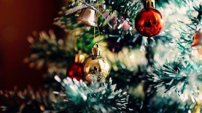 Makna dari Ornamen Bintang, Lilin, hingga Kado dengan Hiasan Pita yang Wajid Ada saat Natal