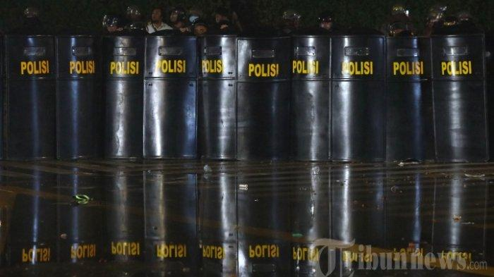 Kapolres Jayapura Buka Suara soal Video Viral Polisi Ancam Pukul Warga yang Berkeliaran Pakai Rotan