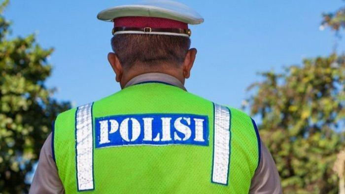 Fakta Viral Foto 5 Polisi Bawa Poster Demo saat Jokowi ke Lampung, Ada Tulisan 'Stop Hutang Negara'