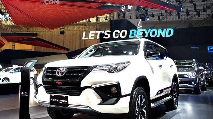 Flash Sale Toyota,  Fortuner Diskon Rp 100 Juta, Sienta Diskon Rp 80 Juta