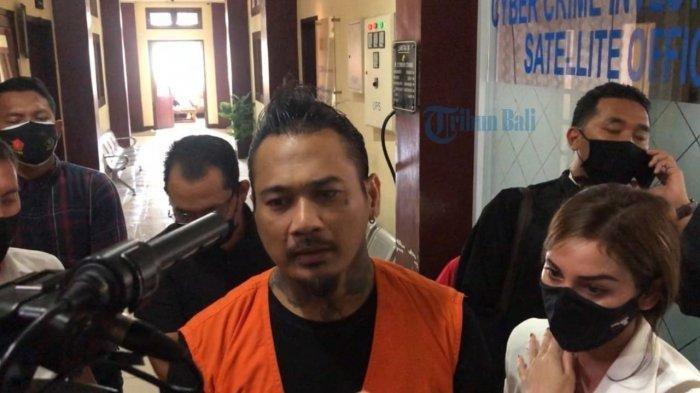 Walk Out di Tengah Sidang, JerinX Kembali Diborgol: Saya Lebih Berbahaya dari Teroris