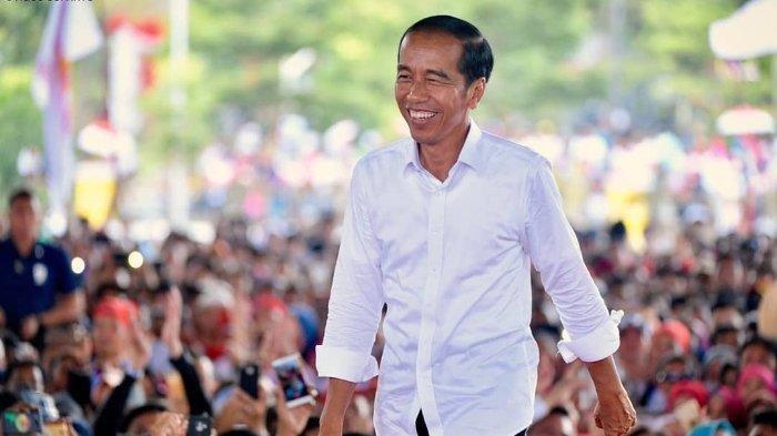 Ternyata Ini Merek Handphone yang Dipakai Presiden Jokowi, Berapa Harganya?