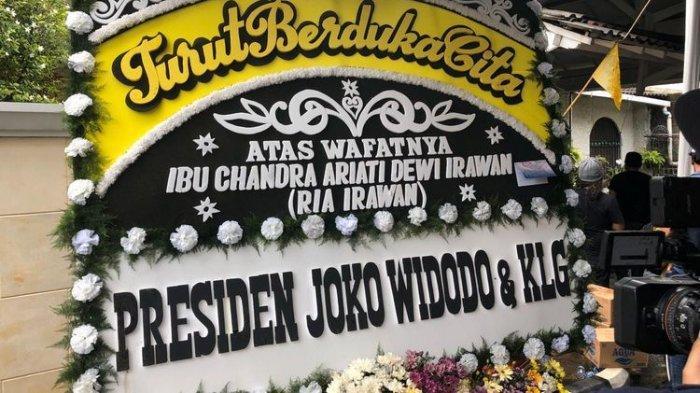 Ria Irawan Tutup Usia, Jokowi hingga Ahok Kirim Karangan Bunga Duka Cita