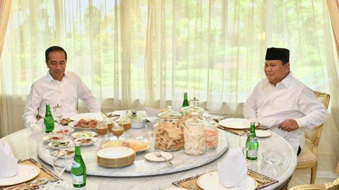 Lihat Momen Kaesang Ikut Jokowi Sambut Prabowo Subianto di Istana, Kompak Kenakan Kemeja Putih